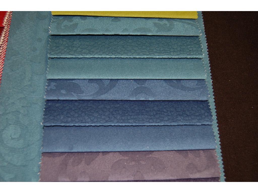 La microfibra della collezione Bora è lavabile e irrestringibile , in 3 disegni e 24 colori ognuno